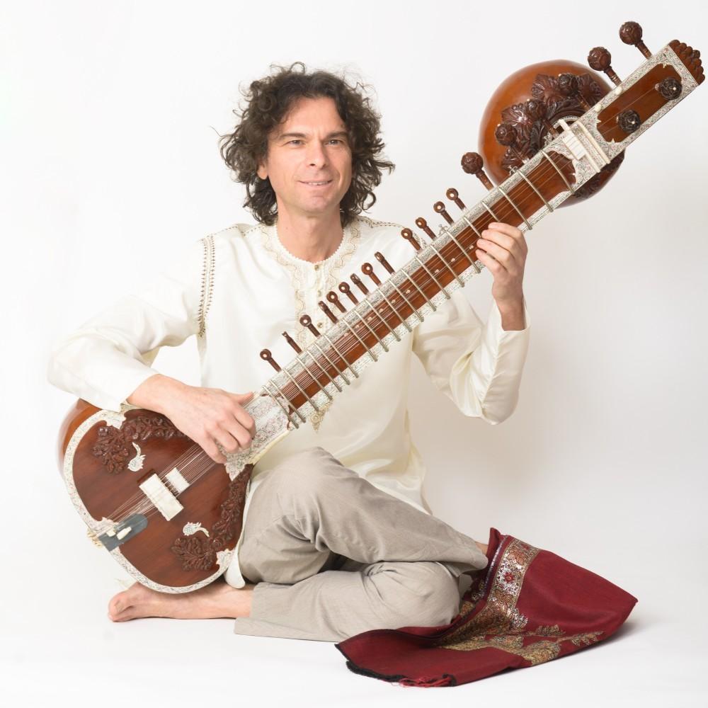 Sitar Indiaas muziekinstrument volksmuziek India Jan van Beek Sitar Music